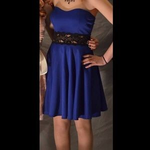 Dresses & Skirts - Sleeveless royal blue dress